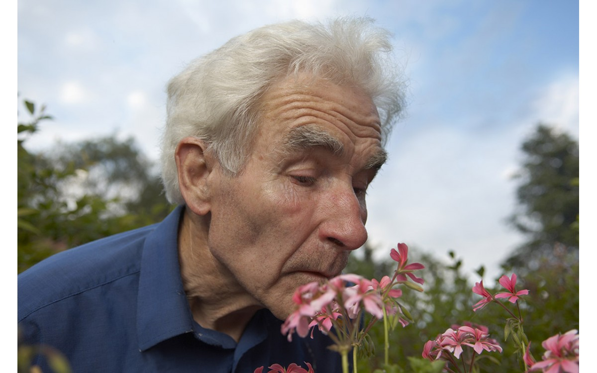 The Importance of Sensory Stimulation for Dementia Patients
